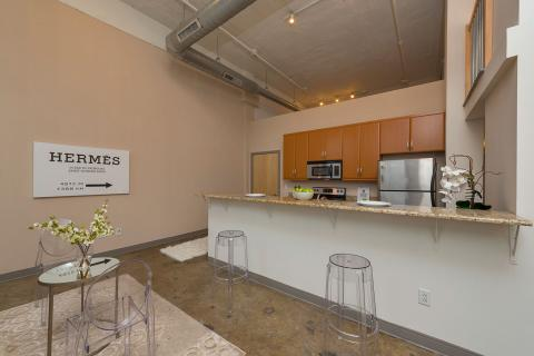 Condo-downtown-cleveland-oh-kitchen-dinning-rm-American-Book-2.jpg