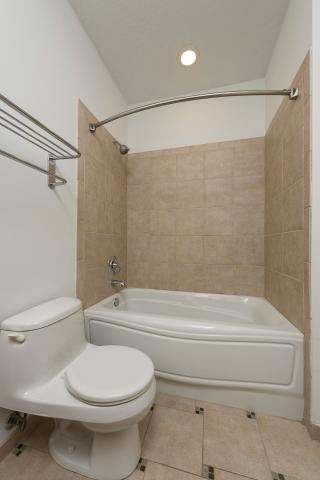 downtown-cleveland-oh-Condo-bathroom-2-Unit-406.jpg