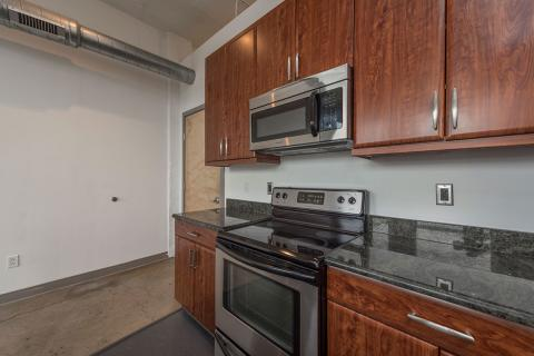 downtown-cleveland-oh-Condo-kitchen-Unit-406.jpg