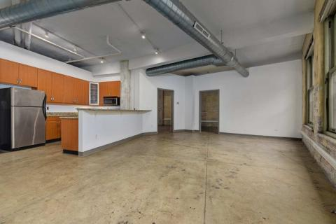 high-end-downtown-cleveland-oh-Condo-Unit-303-16.jpg