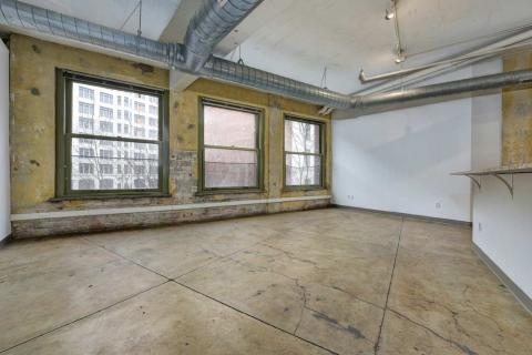high-end-downtown-cleveland-oh-Condo-Unit-303-24.jpg