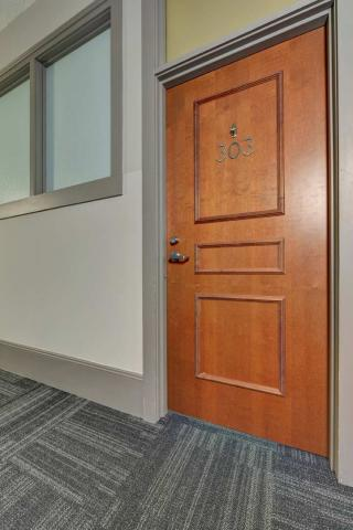 high-end-downtown-cleveland-oh-Condo-Unit-303-26.jpg
